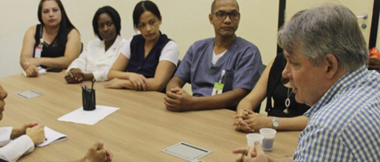 CANAL DIRETO - O Canal Direto é uma reunião mensal do Superintendente Hospitalar com um grupo de colaboradores, selecionados por sorteio e inscrição de interessados.