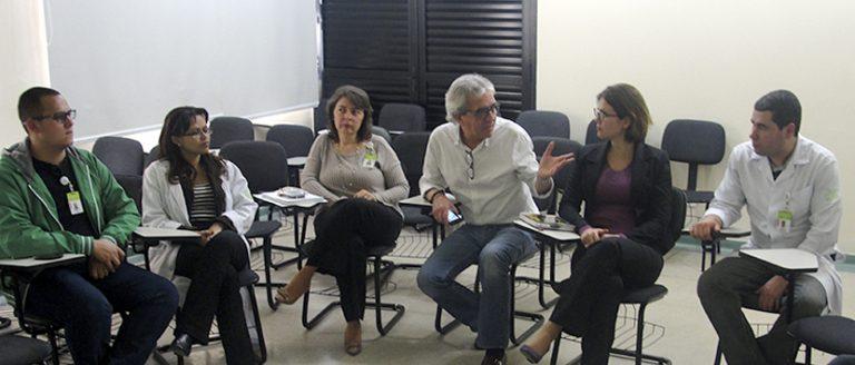 REUNIÕES DE EQUIPES - Reuniões periódicas entre líderes e sua equipe.